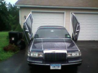 BossOfDaNorth 1993 Lincoln Town Car
