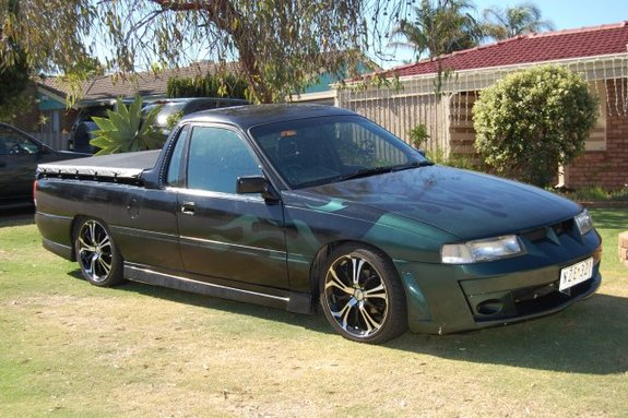 crustydemons_666 1992 Holden Ute Specs, Photos, Modification