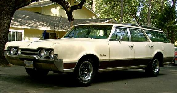 MostlyEnds's 1967 Oldsmobile Vista Cruiser
