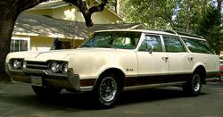 MostlyEnds 1967 Oldsmobile Vista Cruiser