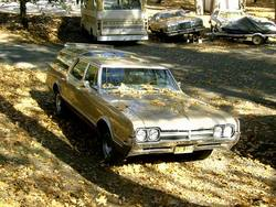 MostlyEnds 1966 Oldsmobile Vista Cruiser
