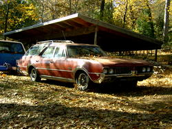 MostlyEnds 1969 Oldsmobile Vista Cruiser