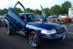 datvic24 1999 Ford Crown Victoria