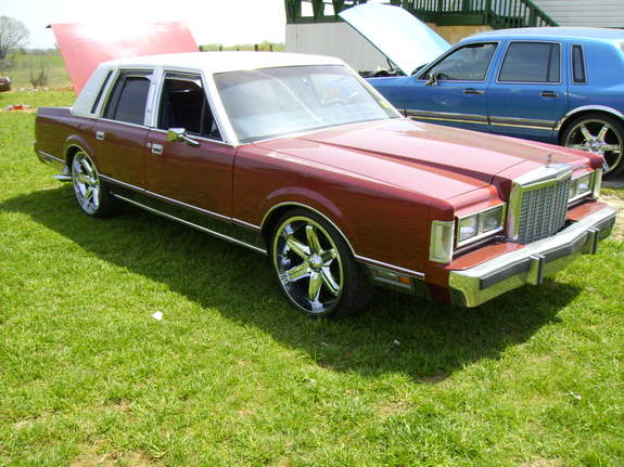 19812729 1985 Lincoln Town Car Specs Photos Modification Info At