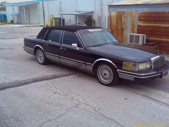 yungjoe727 39 s 1994 lincoln town car in saint petersburg fl. Black Bedroom Furniture Sets. Home Design Ideas