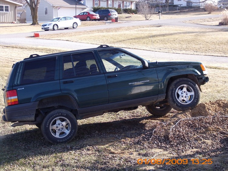 bigboi08 1998 Jeep Grand Cherokee 11574656
