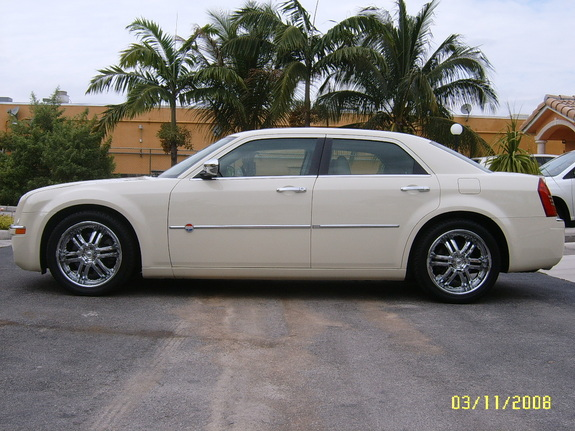 Another 300cHeritageG 2006 Chrysler 300 post... - 11327217