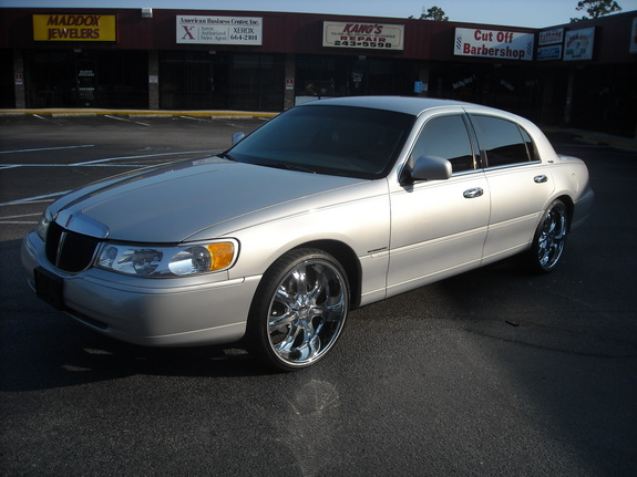 supacutty20 1998 lincoln town car specs photos modification info at cardomain. Black Bedroom Furniture Sets. Home Design Ideas