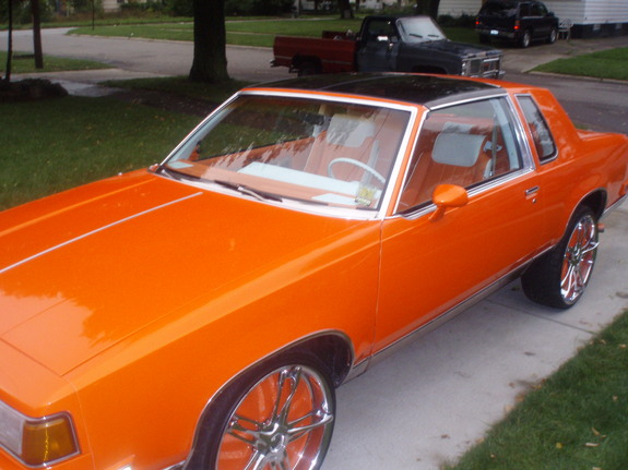 Another ORANGE_CREAM 1984 Oldsmobile Cutlass Calais post... - 11359667