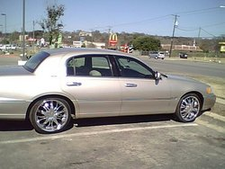 ducetrepit 2001 Lincoln Town Car