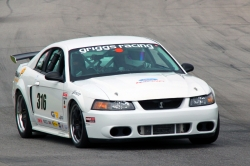 03-246s 2002 Ford Mustang