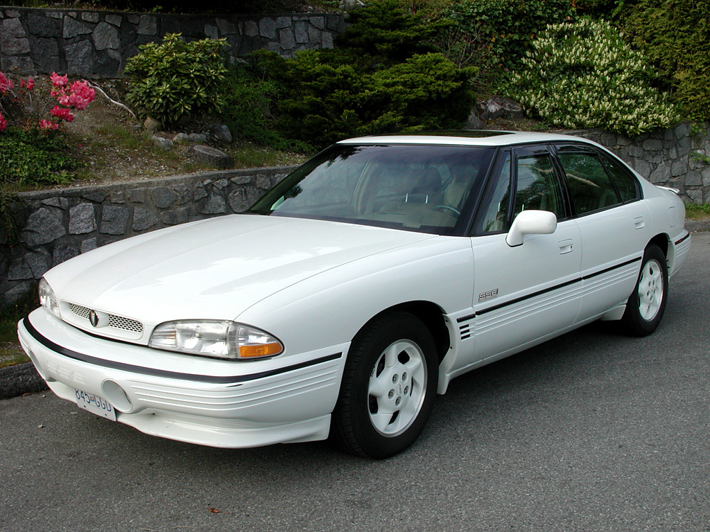 aukcc 39 s 1995 pontiac bonneville in vancouver bc. Black Bedroom Furniture Sets. Home Design Ideas