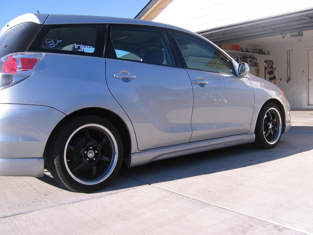feenickz 2005 toyota matrix specs photos modification. Black Bedroom Furniture Sets. Home Design Ideas