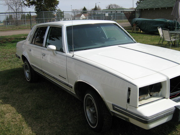 Another travismcd 1985 Pontiac Bonneville post... - 11385371