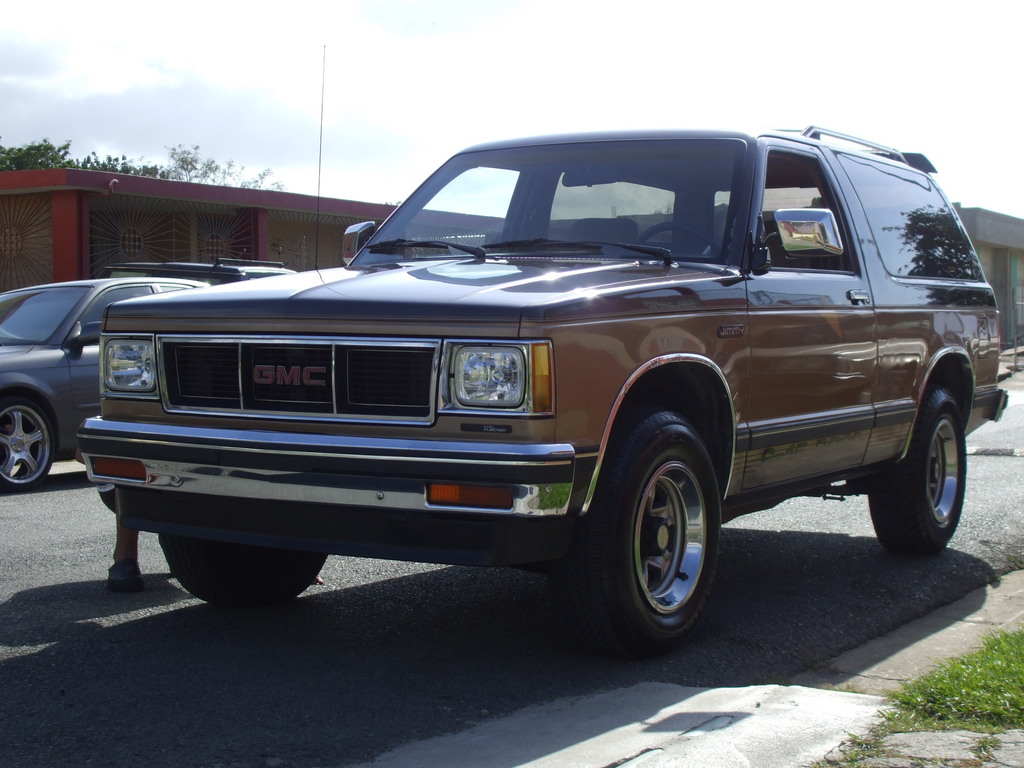 abdielelnos 1987 GMC S15 Jimmy's Photo Gallery at CarDomain