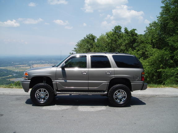 lifted 2006 gmc envoy denali Car Pictures