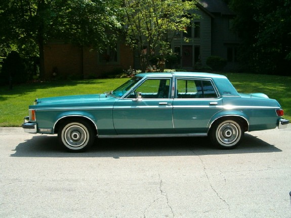 LincolnCollector 1980 Lincoln Versailles 11409435