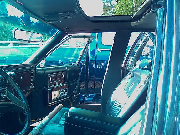 Another bygtyma 1991 Cadillac Fleetwood post... - 11547799