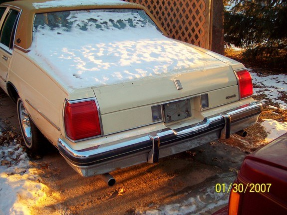 Another clean-n-low 1980 Oldsmobile Delta 88 post... - 9415786