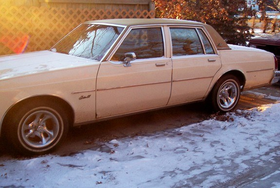 Another clean-n-low 1980 Oldsmobile Delta 88 post... - 9415787