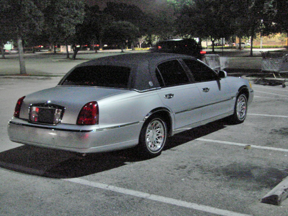 Dirtywhiteboy66 1999 Lincoln Town Car Specs Photos Modification