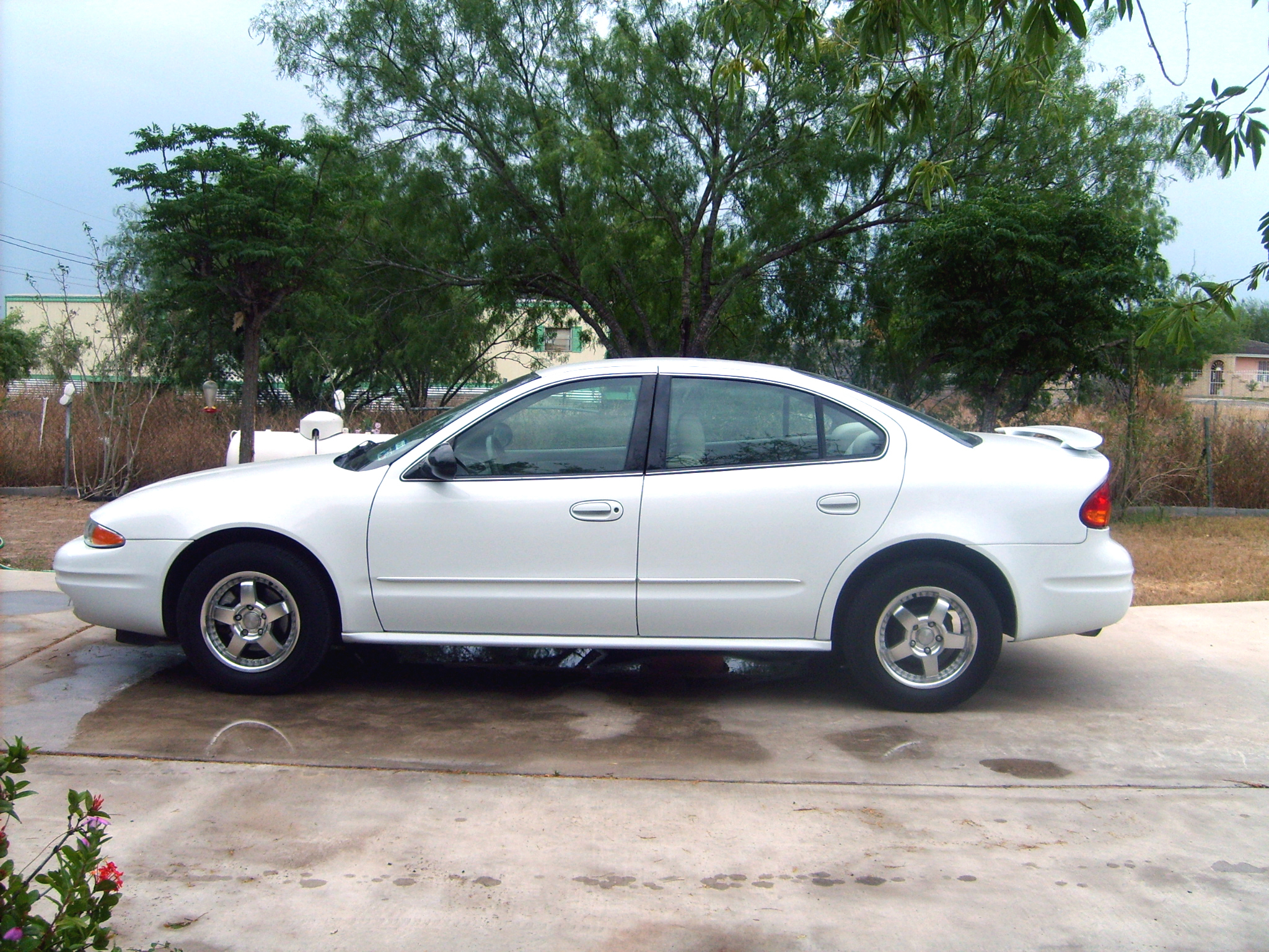 Another nothingbutolds 2004 Oldsmobile Alero post... - 11454160