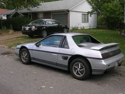 amtrak04s 1985 Pontiac Fiero