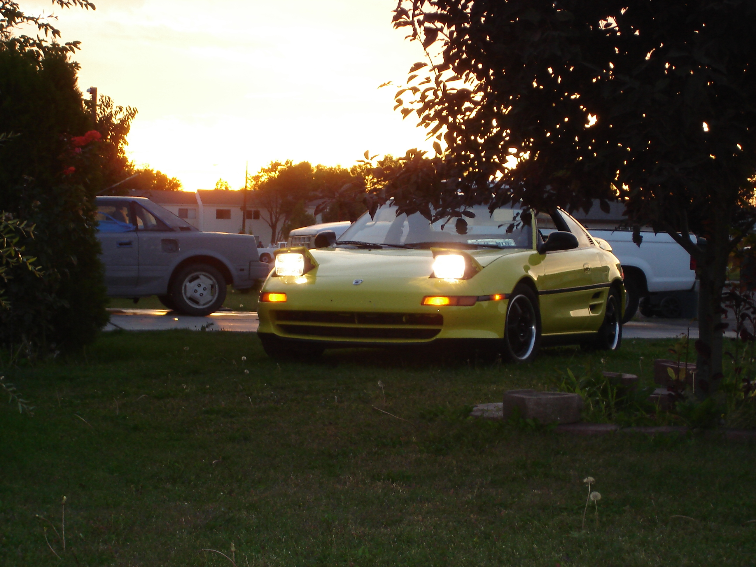 YELOW_MR2 1991 Toyota MR2
