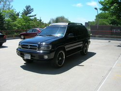 Berto171s 2002 Nissan Pathfinder