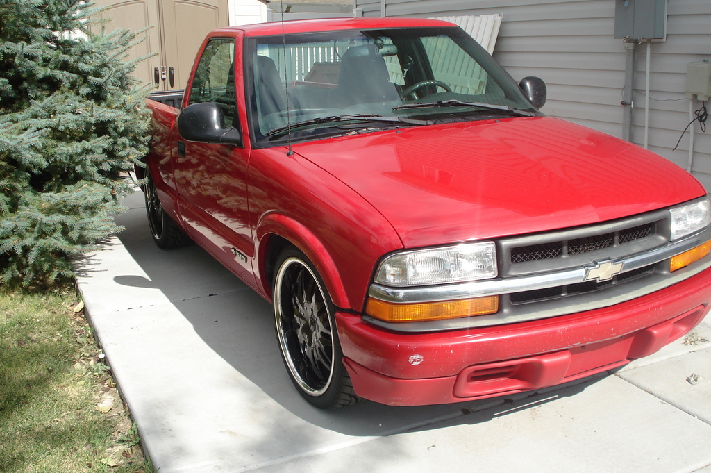 dimefinder 1998 chevrolet s10 regular cab specs photos modification info at cardomain. Black Bedroom Furniture Sets. Home Design Ideas