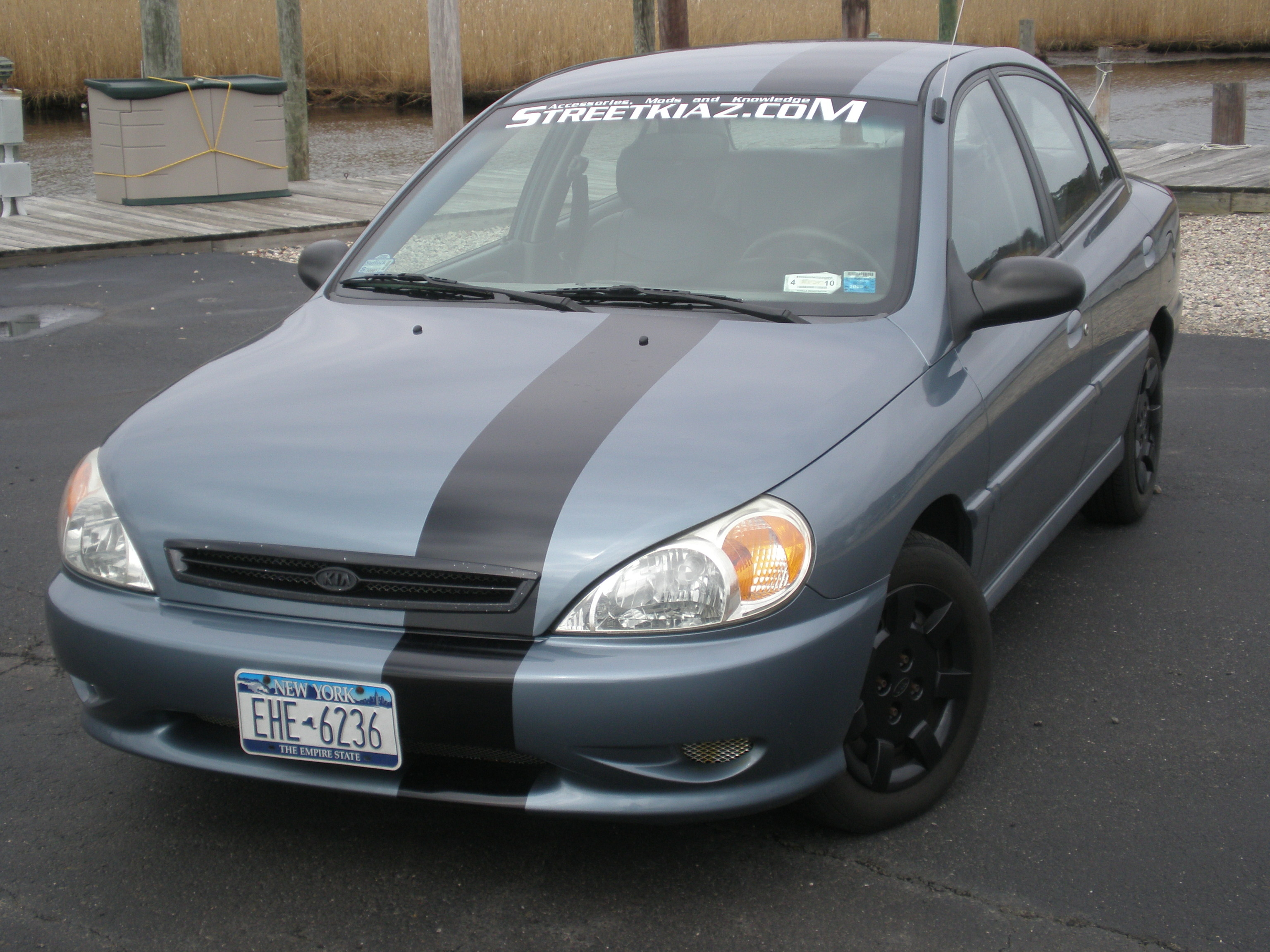 m1n1k1a 39 s 2002 kia rio in east patchogue ny. Black Bedroom Furniture Sets. Home Design Ideas