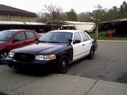 trigger04 2004 Ford Crown Victoria