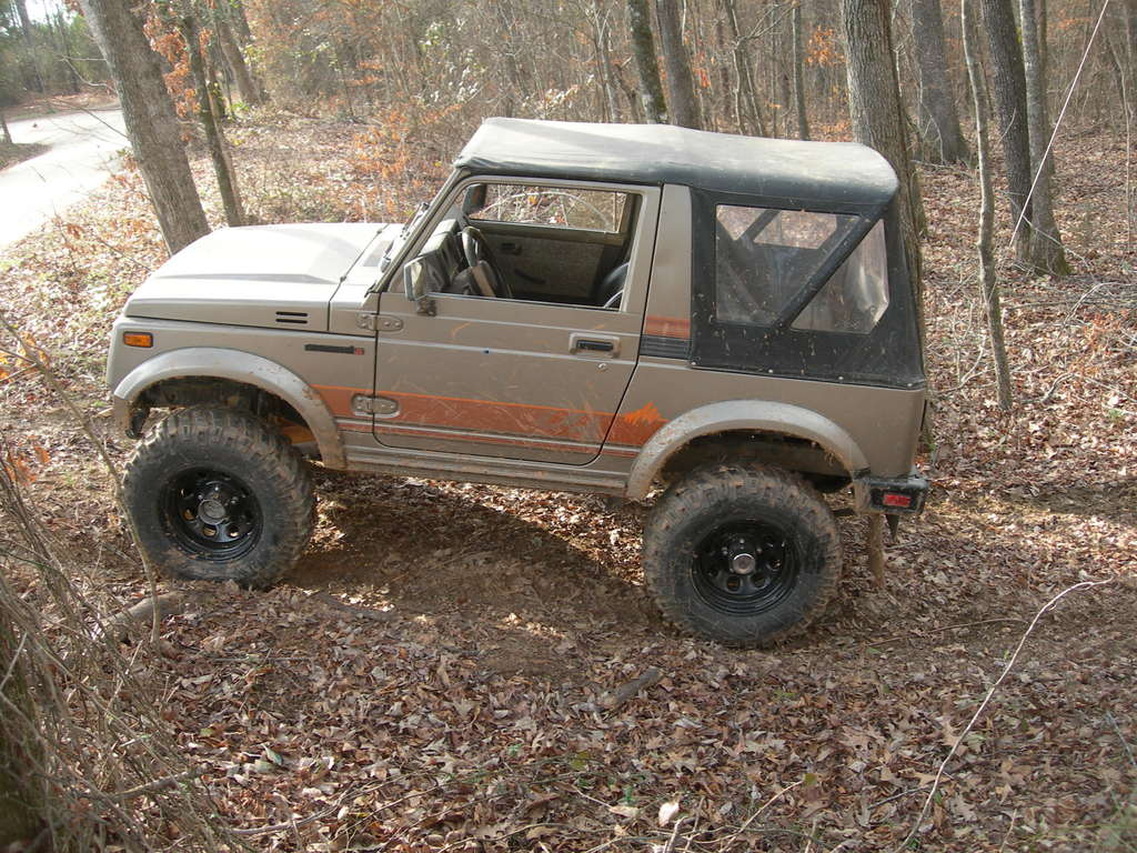 deer-slayer's 1989 Suzuki Samurai
