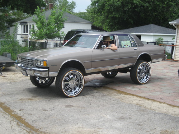 CHITOWNSILLEST's 1985 Chevrolet Caprice
