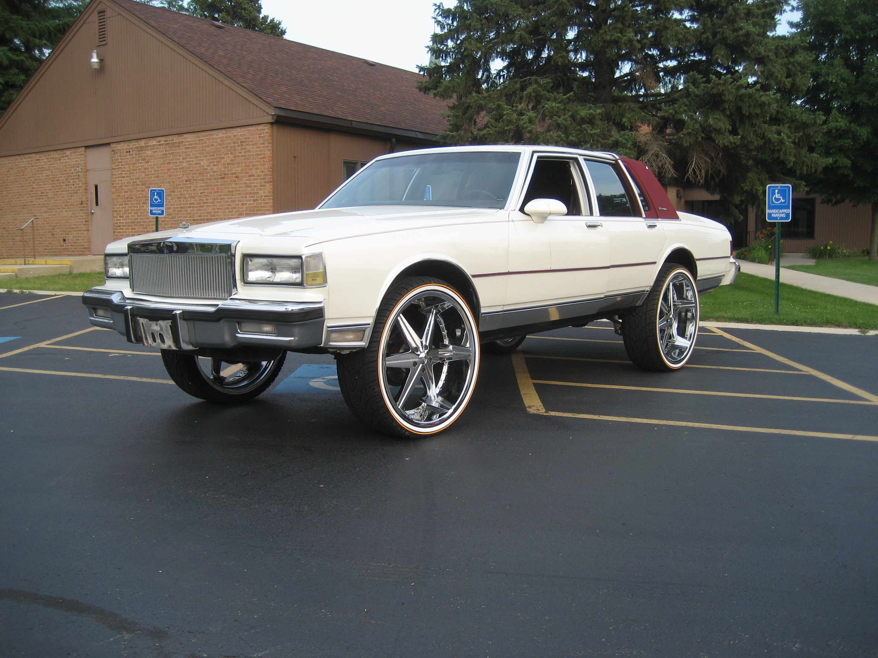 CHITOWNSILLEST 1985 Chevrolet Caprice 11517704