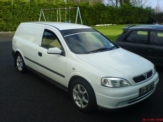 plusaat 39 s 1999 vauxhall astra in galway. Black Bedroom Furniture Sets. Home Design Ideas