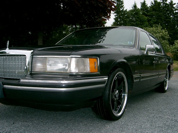 gordieizboss 1994 lincoln town car specs photos modification info at cardomain. Black Bedroom Furniture Sets. Home Design Ideas