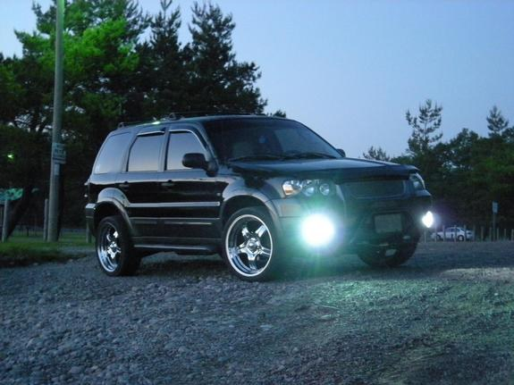 bGreezy's 2005 Ford Escape
