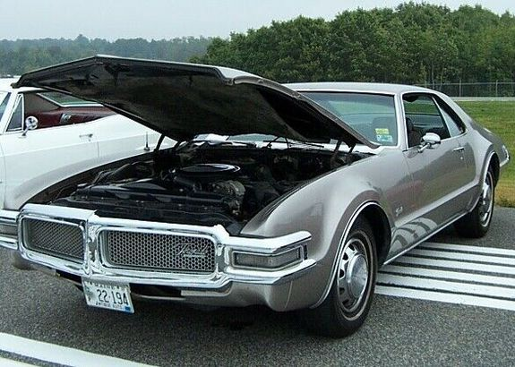 olds68 1968 Oldsmobile Toronado 11675924