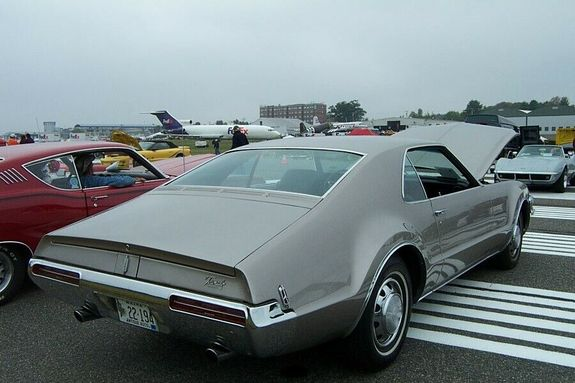olds68 1968 Oldsmobile Toronado 11675925