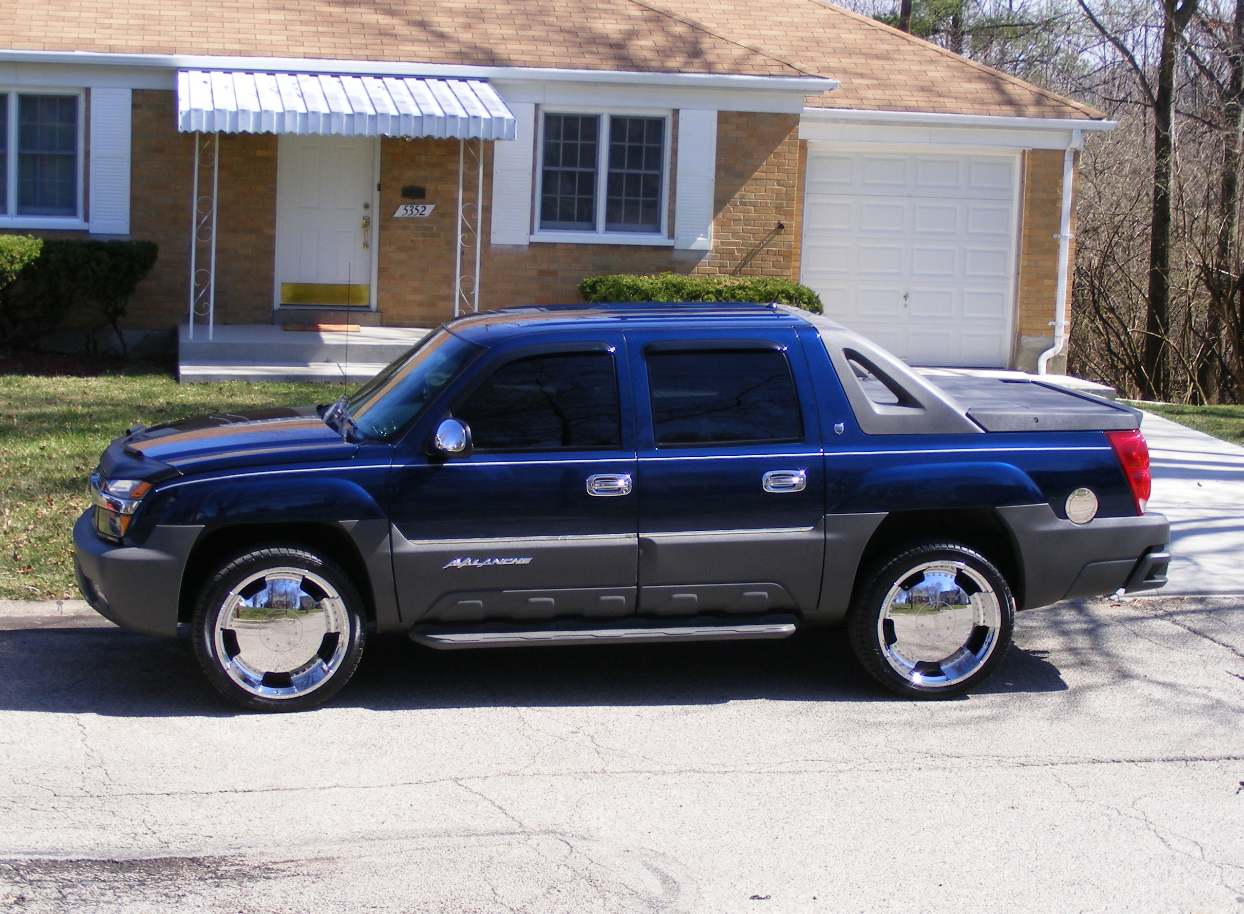 Another madlmusic 2002 Chevrolet Avalanche post... - 11674109