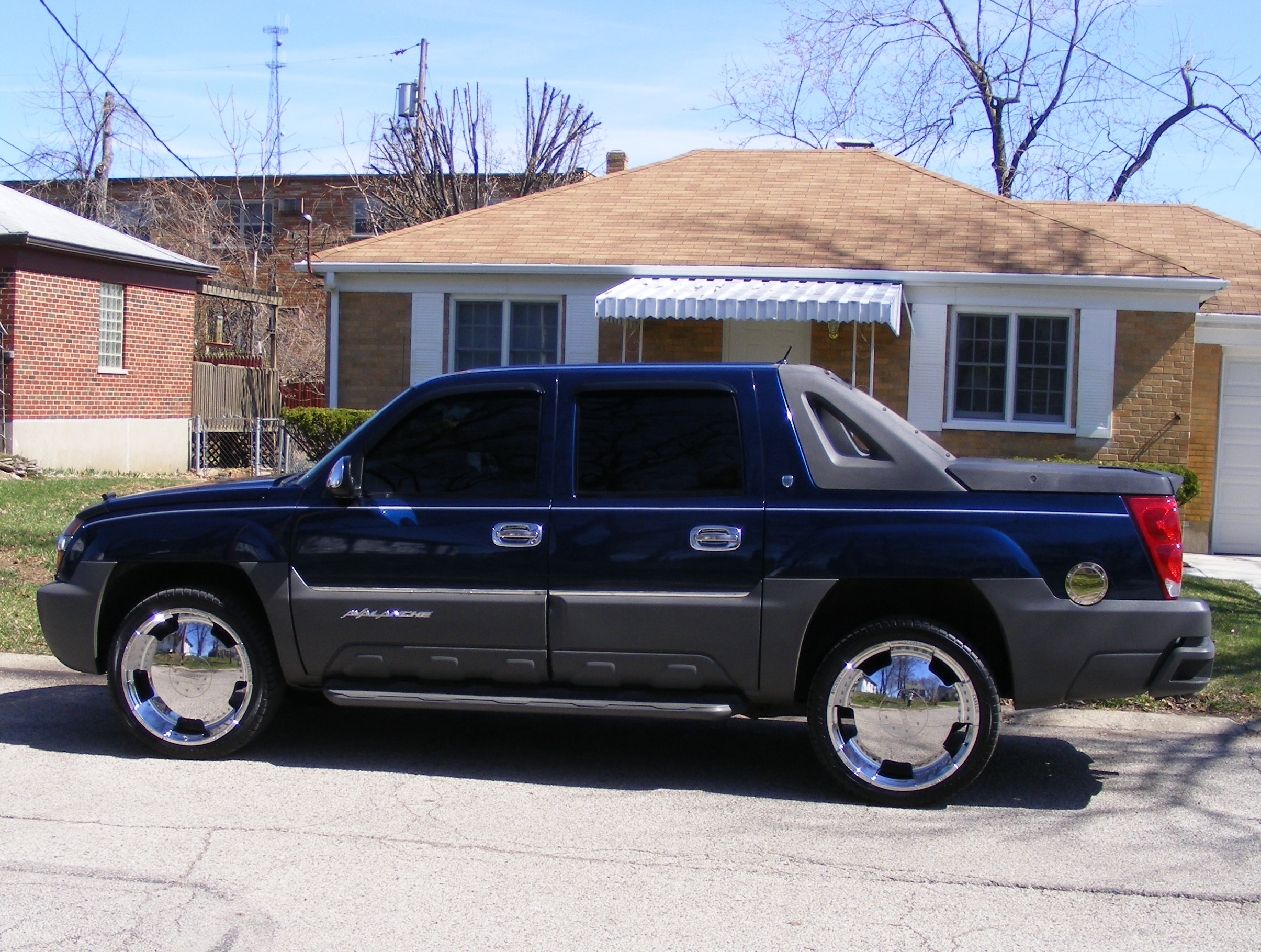 Another madlmusic 2002 Chevrolet Avalanche post... - 11674110