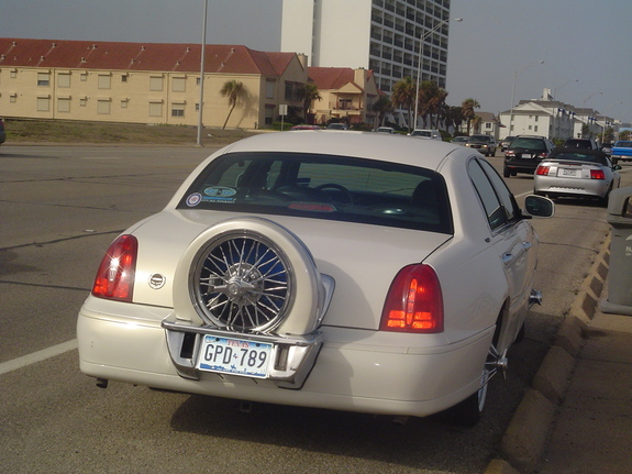 Lilbossabn 1999 Lincoln Town Car Specs Photos Modification Info At