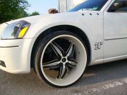 clean_cuts 2005 Dodge Magnum