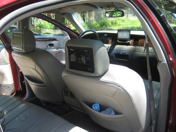 Toriebaby2 1998 Lincoln Town Car Specs Photos Modification Info At