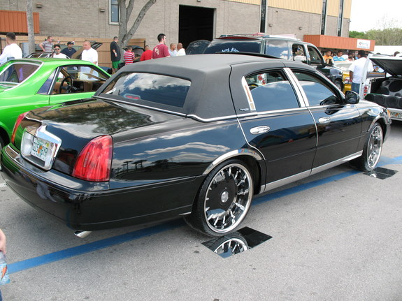 Another 813lowrider 2001 Lincoln Town Car Post Photo 11720996