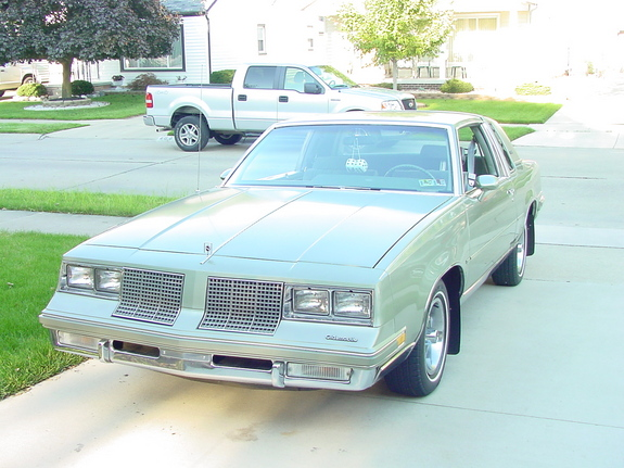 Another wetbizket 1985 Oldsmobile Cutlass Supreme post... - 11745370