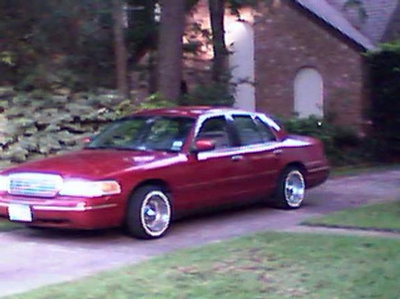 Another 1lovic 2000 Ford Crown Victoria post... - 11771093