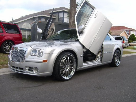 custom 300c 2006 chrysler 300 specs photos modification info at cardomain. Black Bedroom Furniture Sets. Home Design Ideas