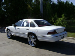 KAVE44 1992 Ford Crown Victoria
